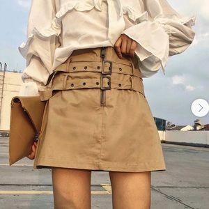 Black Tape Camel Belted Skirt XL